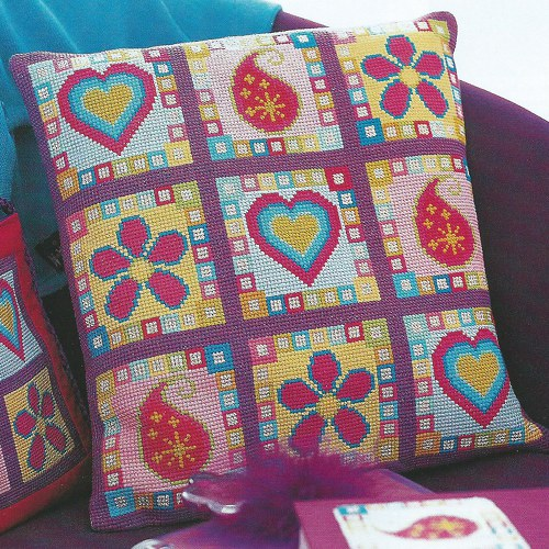 Чехол для подушки с сердечками