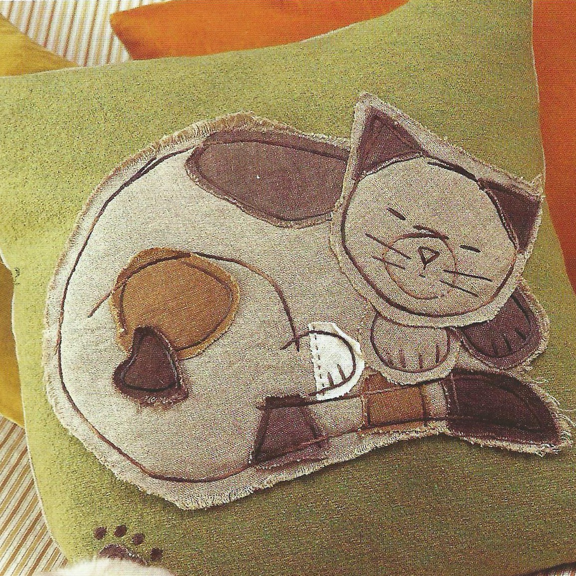 Как сделать подушку для кошки своими руками